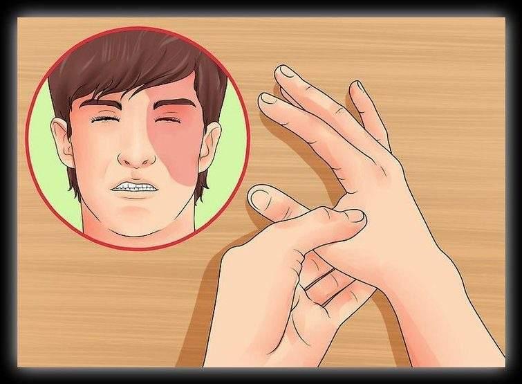 """""""الضغط على اليد"""".. نصائح مميزة للتخلص من الآلام دون دواء"""