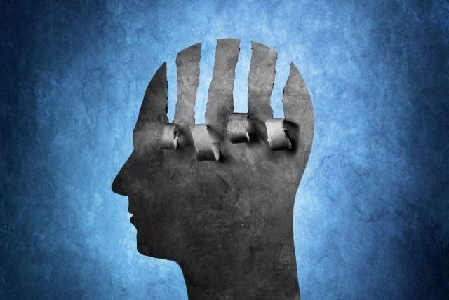 الإنترنت وجوجل.. 5 عادات تقضي على الذكاء