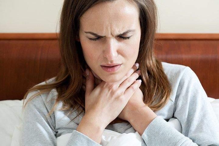 السبب العلمي وراء تغير الصوت عند الإصابة بالبرد