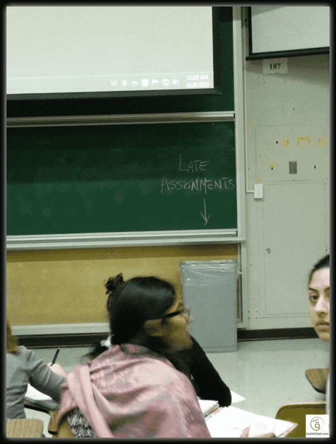 أهلا بالمدارس.. صور طريفة تكشف خفة ظل المدرسين