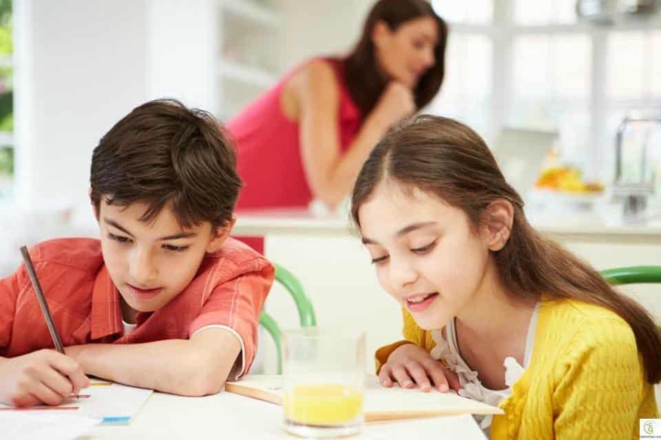 كيف نحفز الأطفال على المذاكرة