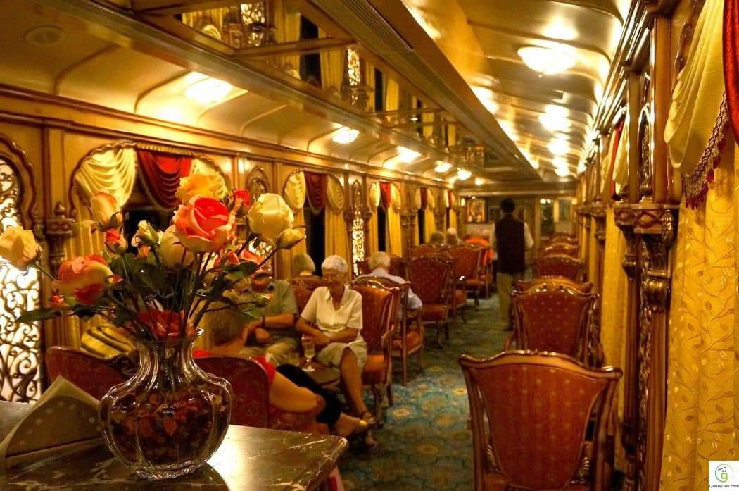 قطارات ملكية تجعل من السفر متعة بلا حدود