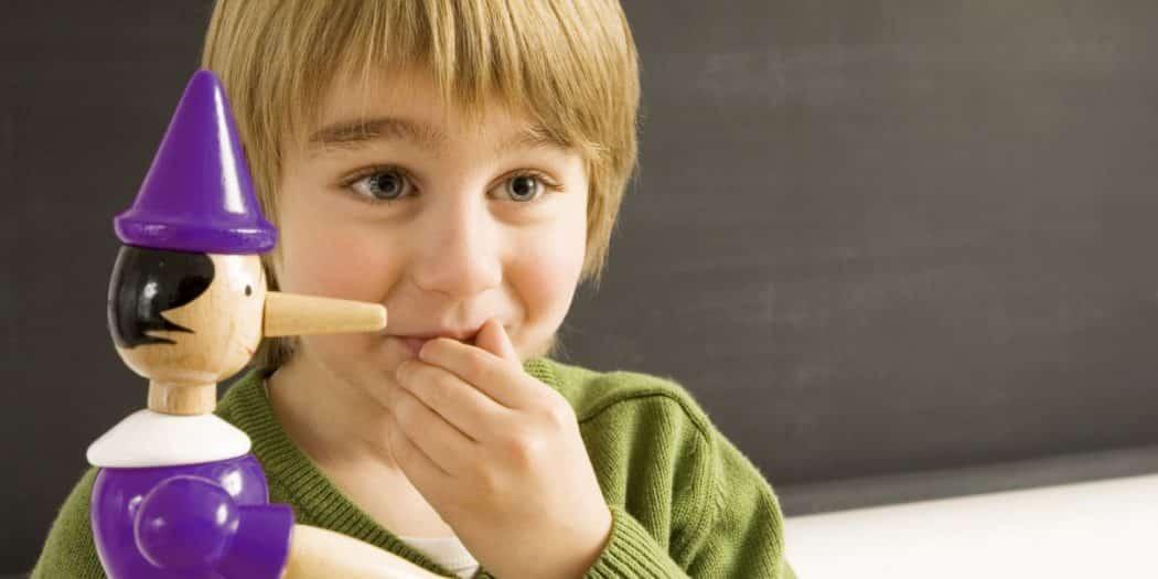 كيف نتعامل مع الكذب عند الأطفال
