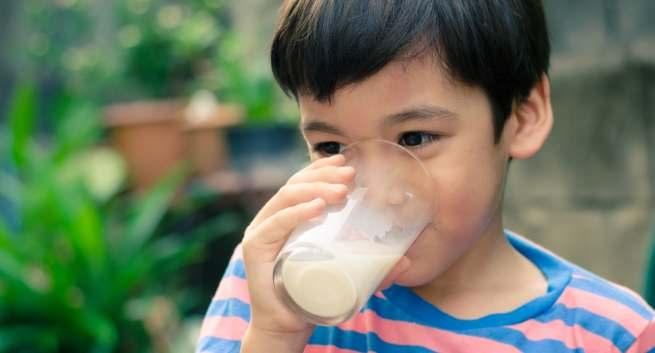 شراب الشعير ليس للرجال فقط.. فوائد صحية مميزة للأطفال