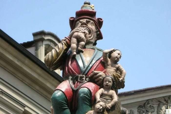 آكل الأطفال المرعب.. سر أغرب تمثال في العالم