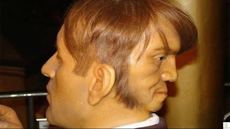 إدوارد مودراك.. الرجل ذو الوجهين بمعنى الكلمة!