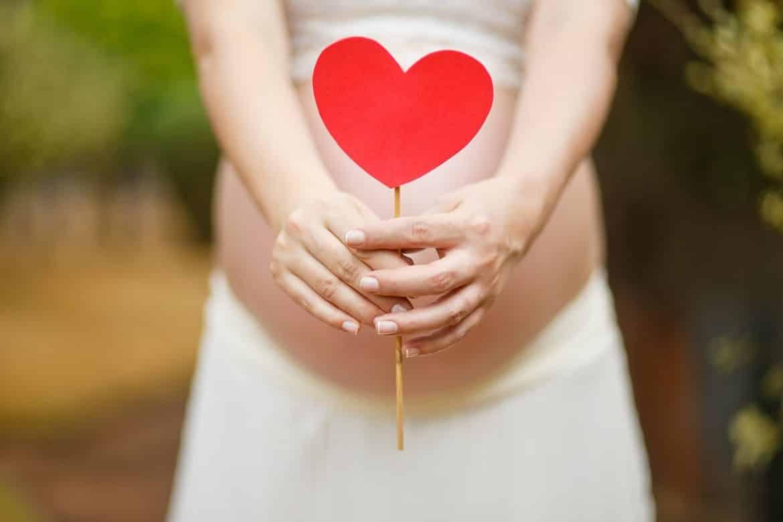 هل يساعد حمض الفوليك على إنجاح الحمل؟