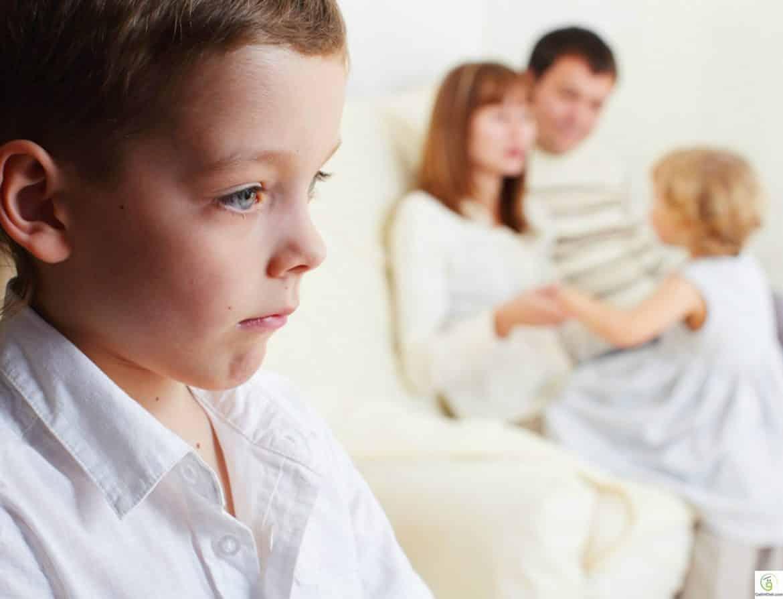 نصائح ذهبية للتعامل مع غيرة الأطفال