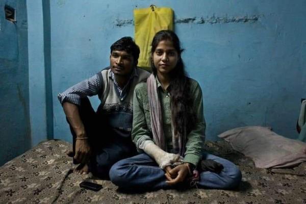 """فقط في الهند.. عشاق تحت حماية """"الكوماندوز"""" 3"""