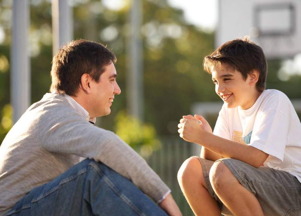 10 نصائح يجب أن يسمعها المراهق من والده