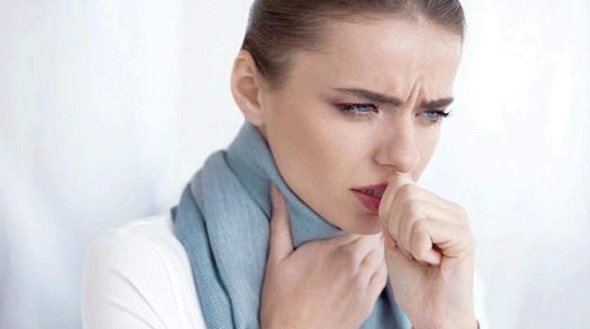 أطعمة ينبغي تجنبها عند التهاب الحلق