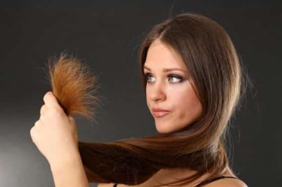 بالموز والبيض والخميرة.. 3 وصفات للقضاء على تقصف الشعر