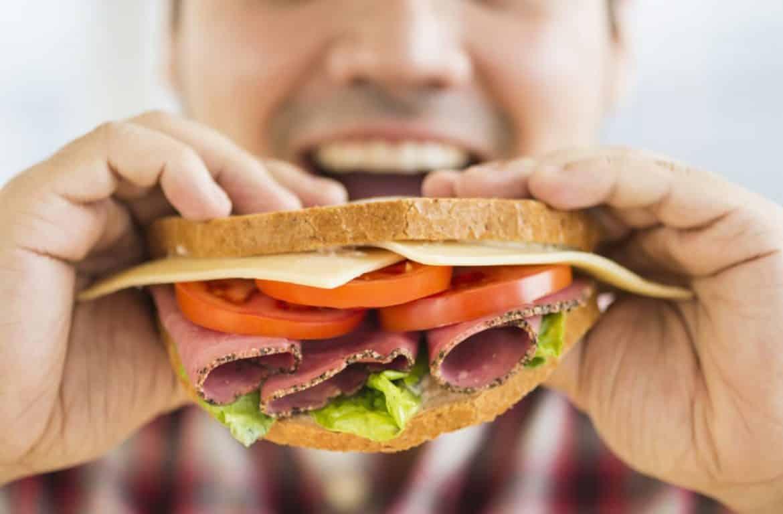 5 أنواع من الأكلات ينبغي لمريض السكري تجنبها