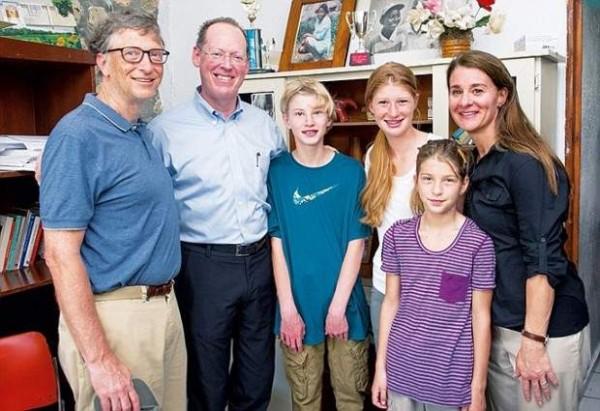 لحمايتهم من الإدمان.. كيف يحظر بيل جيتس التكنولوجيا على أبنائه؟