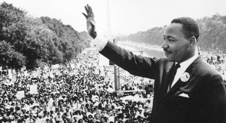 """مارتن لوثر كينج.. الرجل الذي دفع حياته ثمنا لـ""""حلم"""""""