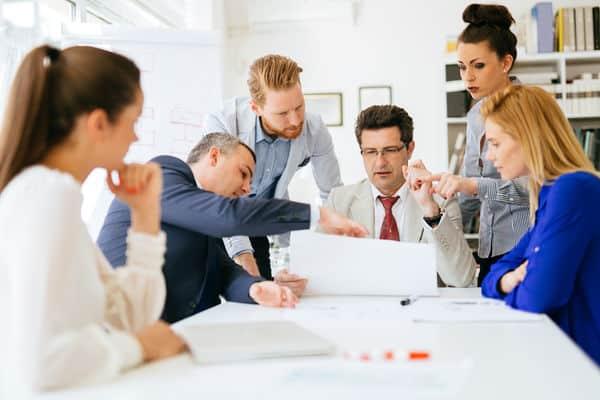 المساواة بين الرجل والمرأة في العمل.. 4 نقاط حساسة