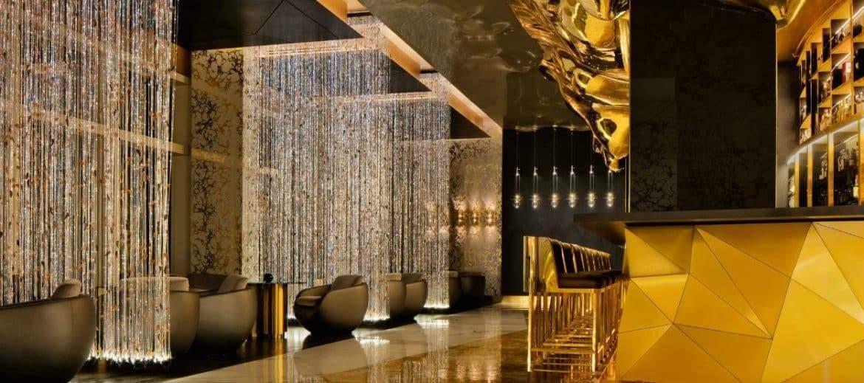 """""""مطعم الذهب"""".. أحدث صيحات التطور على أرض دبي"""