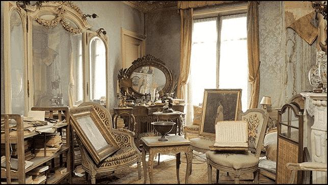 فتحوا شقة مهجورة منذ الحرب العالمية الثانية.. فأذهلهم ما وجدوا بداخلها