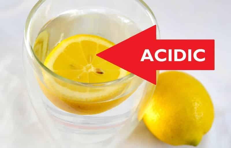 رغم فوائده المختلفة.. آثار جانبية عند تناول الماء بالليمون باستمرار