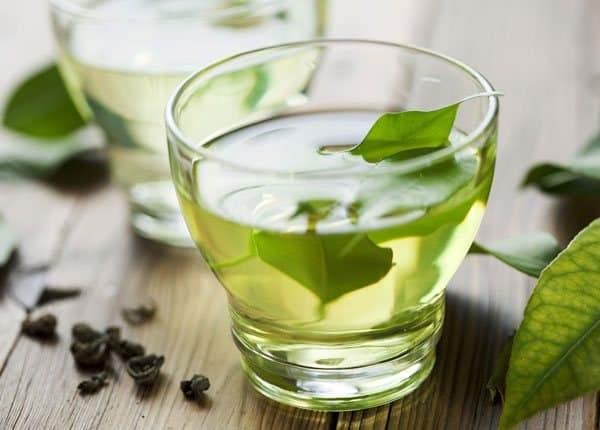 لحصد الفوائد وتجنب الأضرار.. التوقيت المثالي لتناول الشاي الأخضر