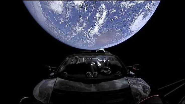 الحقيقة وراء إطلاق سيارة إيلون ماسك إلى الفضاء
