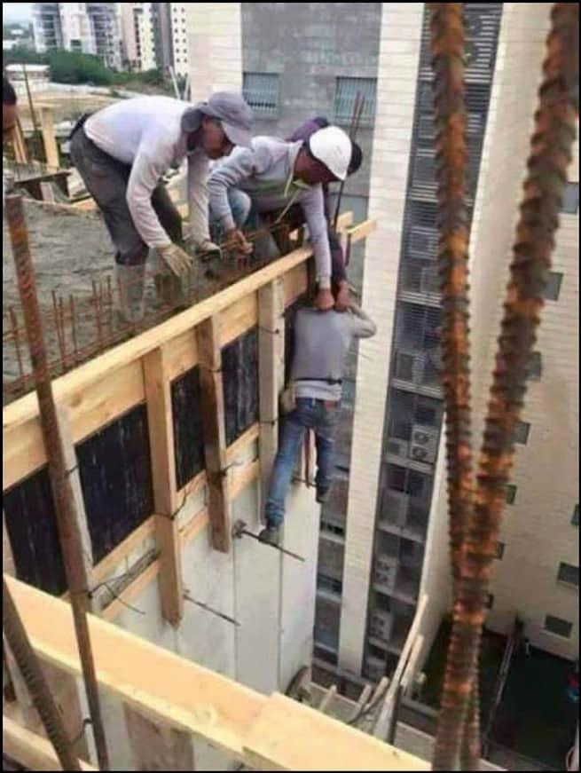 لماذا يعد العمال أصحاب أخطر مهنة في العالم؟ 1