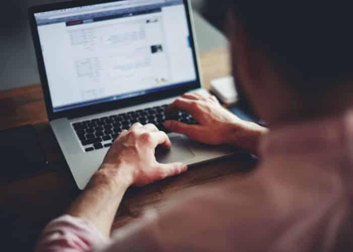 الجدال على الإنترنت.. نعمة أم نقمة؟