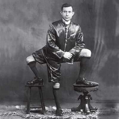 """""""فرانشيسكو لينتيني"""" الرجل ذو الثلاث أرجل.. وأكثر"""