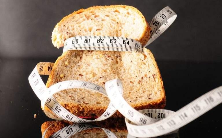 علامات واضحة تكشف عن نقص الكربوهيدرات من جسمك