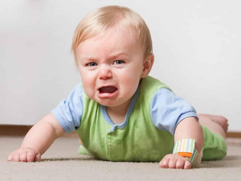 هل يختلف بكاء الطفل العربي عن الألماني؟