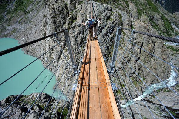 لا تنظر إلى الأسفل.. جسور ستفكر مرتين قبل عبورها