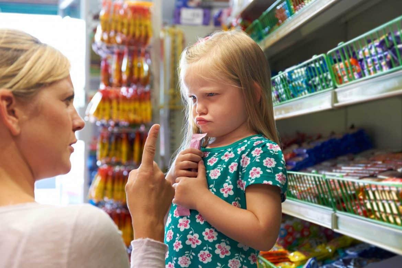 6 تصرفات تجعل طفلك شقيا.. والحل بين يديك! 1