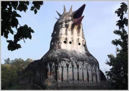 كنيسة الدجاجة ومنزل الحذاء وأغرب المباني على الإطلاق