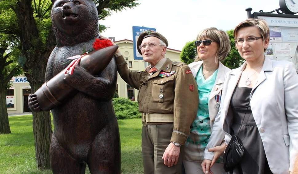 الدب الذي قاد البولنديين للنصر في الحرب العالمية الثانية