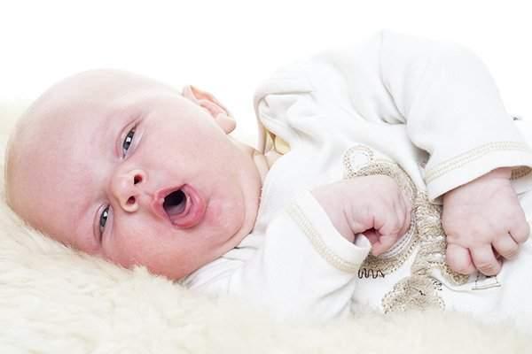 سعال الرضع.. علاجات منزلية للشفاء السريع