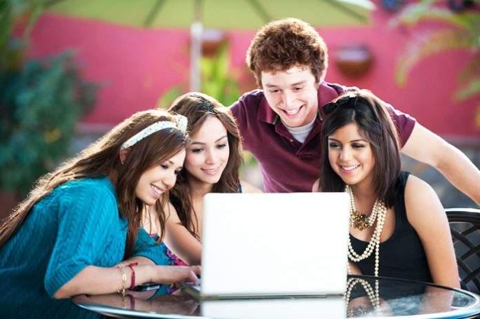 6 فوائد صحية لمشاهدة المقاطع المضحكة على الإنترنت