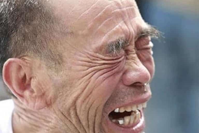 العثور على رجل صيني محبوس بأحد المناجم المهجورة بعد 17 عاما من انهياره؟!