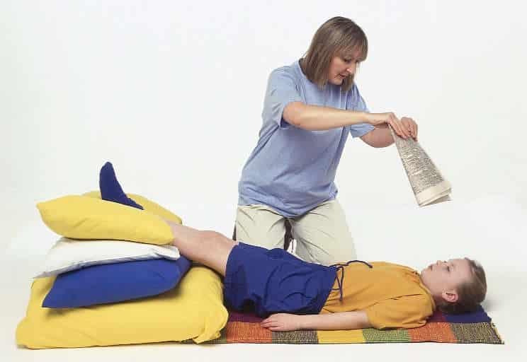 7 طرق علاج منزلية فورية لحالات الإغماء