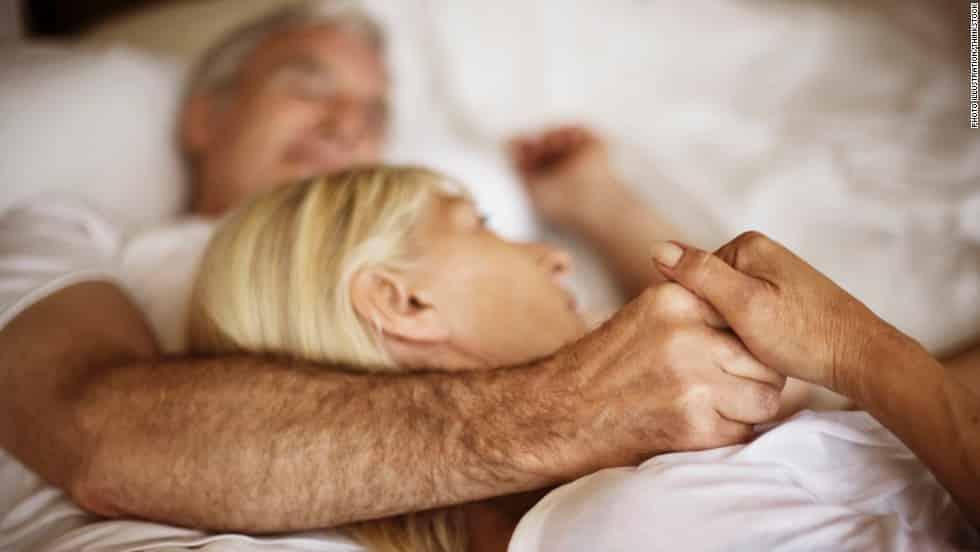 10 فوائد للعلاقة الحميمة المنتظمة بين الزوجين