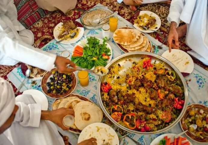 لماذا نكتسب الوزن الزائد خلال شهر رمضان؟