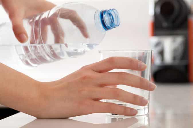 الأوقات المثالية شرب الماء.. معلومات طبية أم خرافات؟