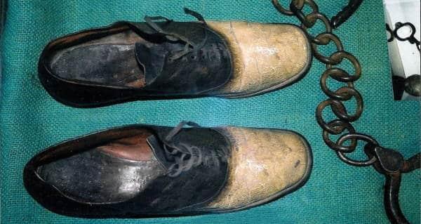 جزاء جرائمه.. صنعوا من جلده حذاء!