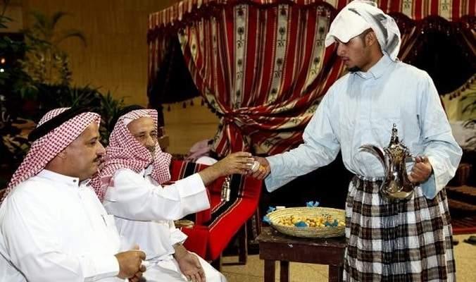 القهوة العربية.. قرينة الضيف وآداب لا يمكن تجاهلها