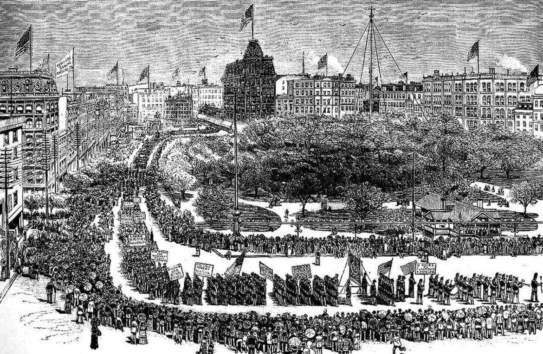 بسببه يحتفل العالم بـ «عيد العمال».. ماذا تعرف عن أوجست سبايز؟