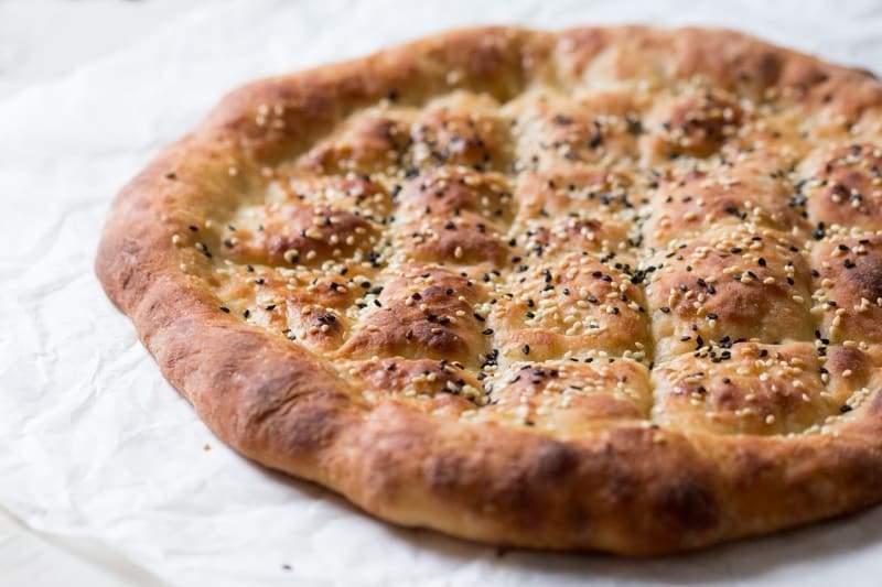 خبز البيدا.. طريقة عمل الخبز التركي الأشهر في رمضان