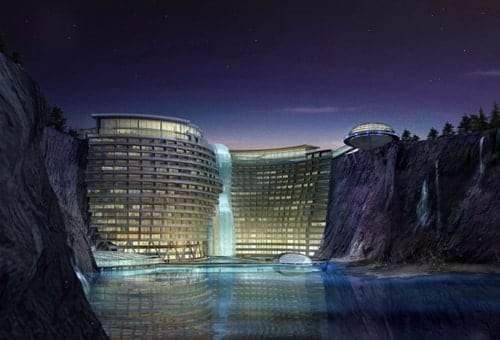 """""""فندق الهوة العميقة"""".. صنع في الصين! 4"""