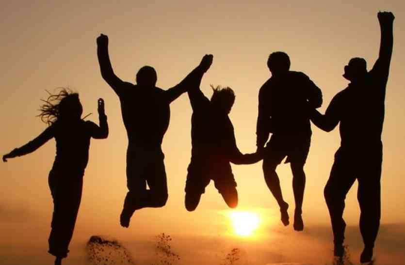 الصداقة أهم من الأسرة.. دراسة جديدة فهل تصدقها؟