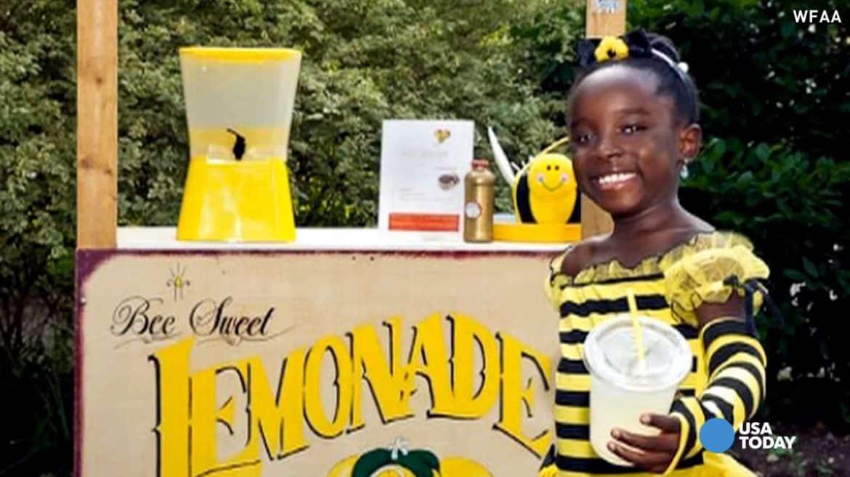 """""""الطفلة ميكايلا .. التي ربحت الملايين من عصير الليمون"""
