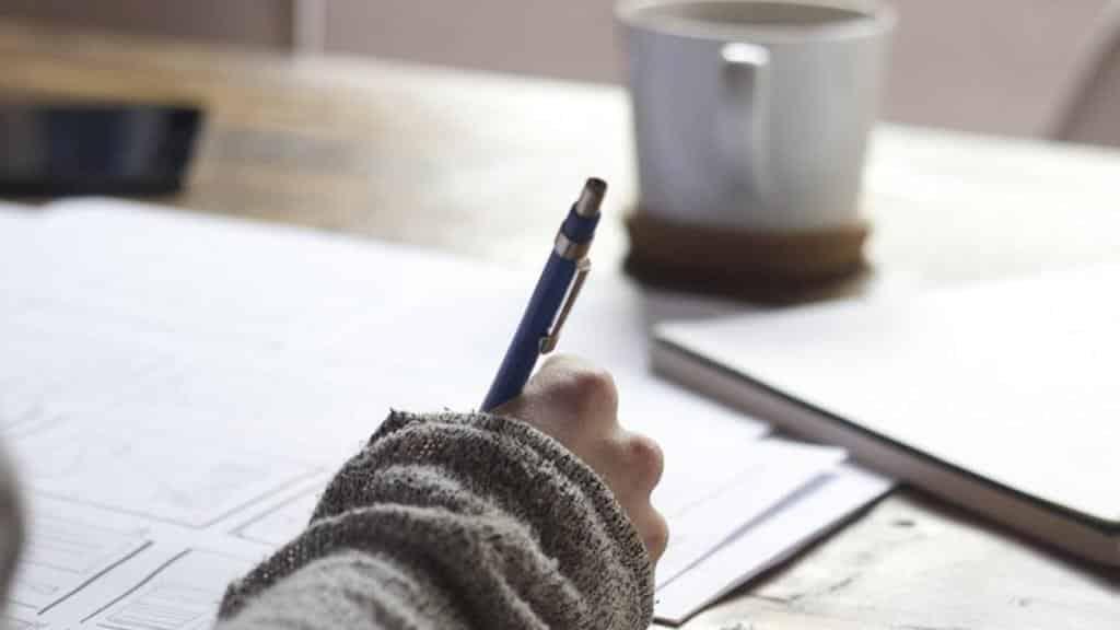 اعرف شخصيتك من طريقة كتابتك