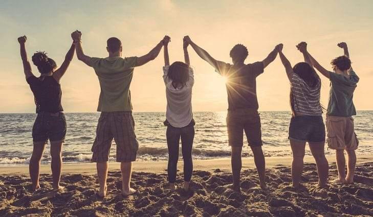 يوم الصداقة العالمي.. فرصة قصيرة لرفقة أبدية